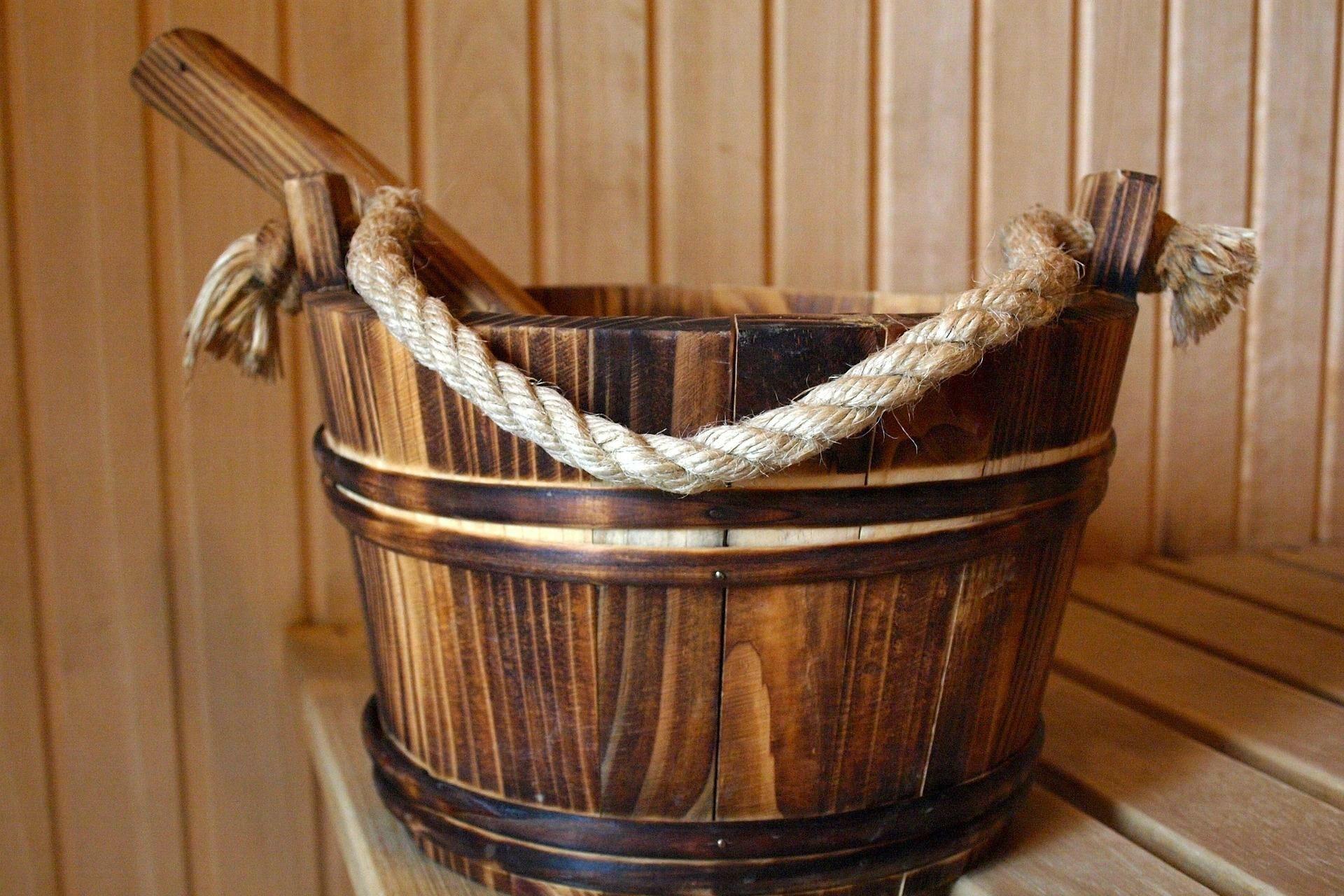 Aufgusseimer in der Sauna